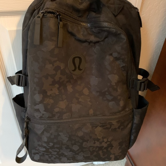lululemon athletica Handbags - Lululemon camo crew backpack
